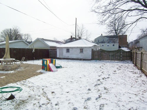 Fenced Yard on 206 East Sugar Street in Mount Vernon Ohio 43050