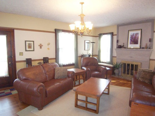 Living Room Photo of 206 East Sugar Street in Mount Vernon Ohio 43050